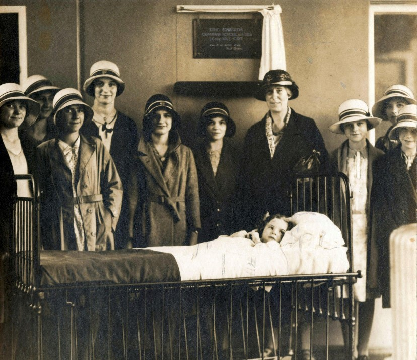 Camp Hill Girls visit the Birmingham Children's Hospital, 1932